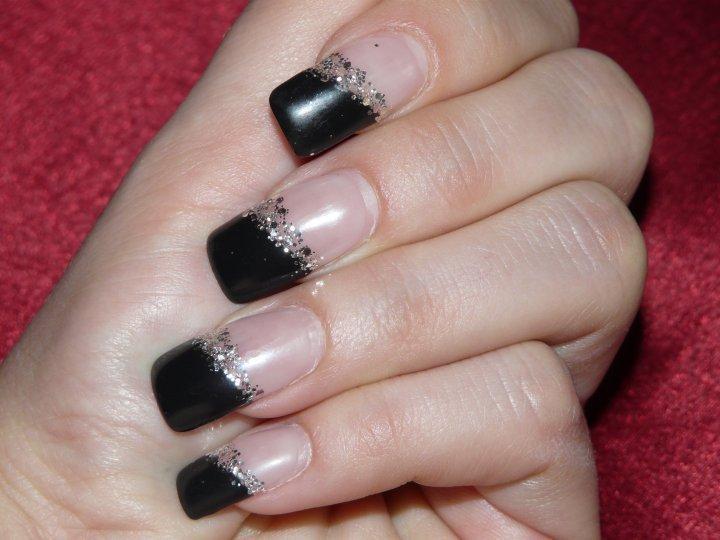 Čierne nechty