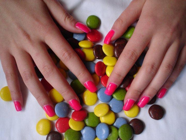 Krásne farebné nechty